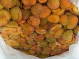 Продам абрикос половинки с/м