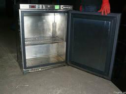 Продам б/у морозильный шкаф Unifrigor (минибар).