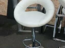 Продам барный стул бу бежевый