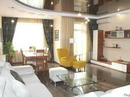 Места хватит всем - классная 4ком квартира в Новострое Центр