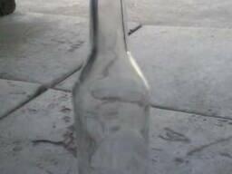 Продам бутылки водочные б. у 0. 5 под винт.