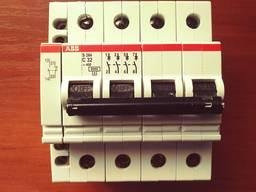 Продам четырёх полюсный автоматический выключатель фирмы АВВ