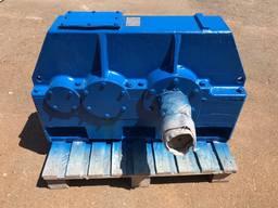 Продам циліндричний редуктор Ц2У-315Н