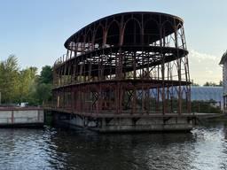 Незавершенное строительство дом на воде - Колизей