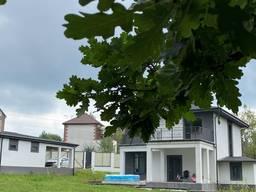 Продам дом Киево-Святошинский район с. Юровка - 200 кв. м. ,