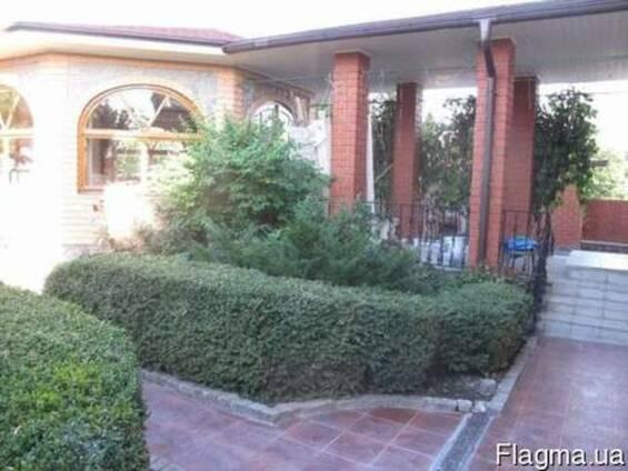 Продам дом в Дергачах 360 м2, ремонт, ландшафт, баня