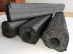 Брикет из древесного угля.