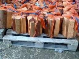 Продам дрова в сетках березовые, дубовые по 8-9 кг