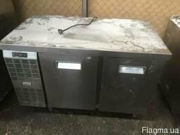Продам двухдверный холодильный стол бу Zanussi