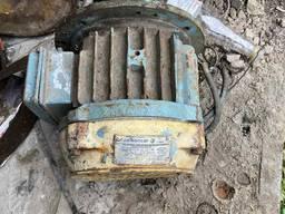 Продам электродвигатель Болгарский на тельфер 1 тонну новый