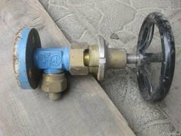Продам Клапан (вентиль) запорный угловой АЗК-10-15/250 (КС-7