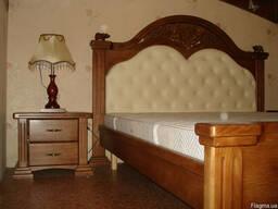 Продам кровать двуспальную в комплекте с 2-мя тумбочками