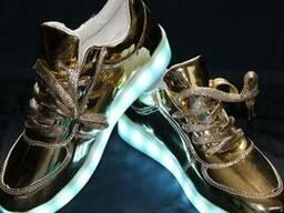 Продам led кроссовки золото