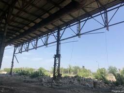 Продам металлические ровные фермы шириной 30м бу