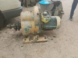 Продам моторедуктор с двигателем 11 квт