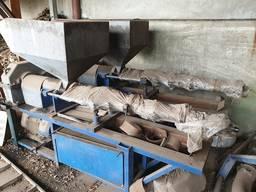 Продам оборудование для цеха по переработки сои в Днепре