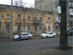 Продам отдельно стоящее здание на ул. Старопортофранковской, под реконструкцию