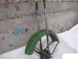 Продам переднее крыло мопеда рига.