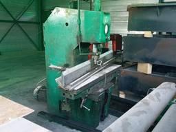 Продам пресс гидравлический с пуансон матрицей 2000 мм.