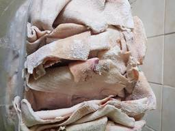 Продам шкурку свиную зачищенную
