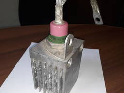 Продам тиристоры и диоды с радиаторами