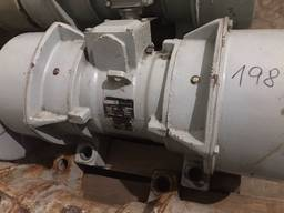 Продам вибрационные двигатели «P pribram zdm »