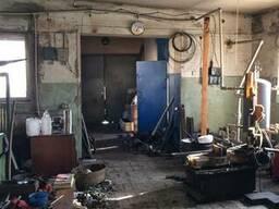 Продам здание с промышленными и складскими помещениями в р