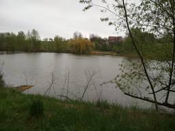 Продам земельный участок с прудом