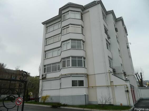 Продаётся 3-х. квартира в элитном доме р-н. Холм Славы
