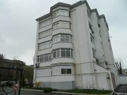 Продаётся 3-х. квартира в элитном доме р-н.Холм Славы