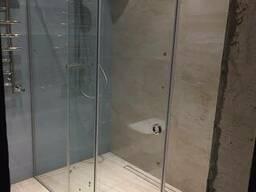 Проектирование и монтаж стеклянного душевого ограждения