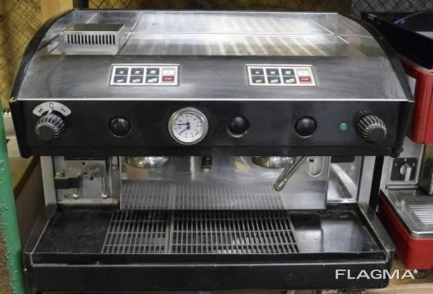 Профессиональная 2-постовая кофемашина кофемолка в аренду.