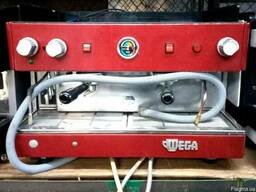 Профессиональная кофемашина бу Wega