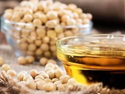 Компания-производитель продаст соевый жмых и масло.