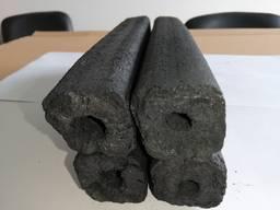 Производим уголь из брикета пини кей.