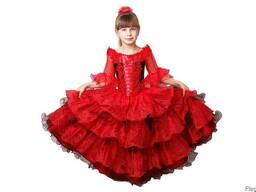 Прокат и продажа карнавальных костюмов и вечерних платьев.