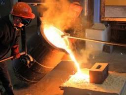 Промышленное литье стали и чугуна развесом до 2000 кг.