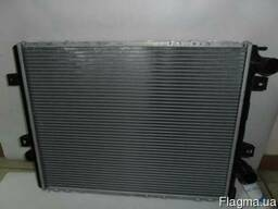 Радиатор охлаждения 2.8 на Рено Маскот