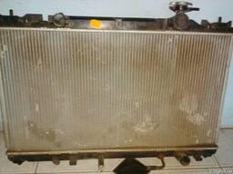 Радиатор охлаждения на Toyota Camry 30