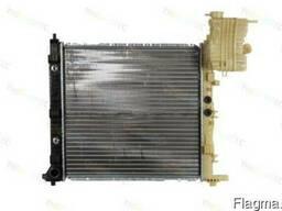 Радиатор воды Vito 2.0/2.2/2.3 TD/CDI -03