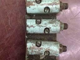 Распределитель смазки С32-62 на 4 отвода