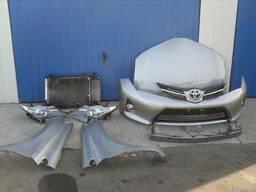 Разборка б/у Toyota Auris Капот Бампер Фара Крыло Решетка