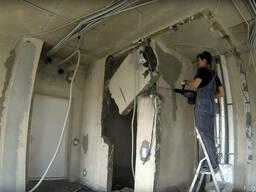 Демонтаж блок-комнат, касеты, перегородок сан-узлов в Одессе