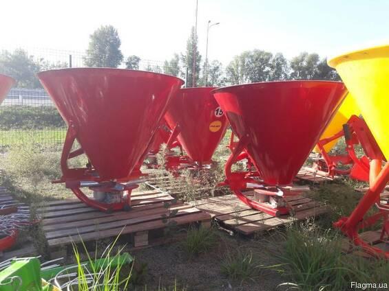 Разбрасыватель минеральных удобрений на 500 кг (бак железный