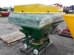 РУМ на 1200 кг разбрасыватель минудобрений фирмы Landforce (
