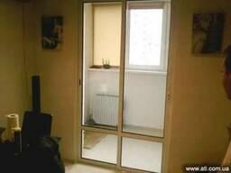 Раздвижные двери - выход на балкон. Цена от 2700 гр. за кв.