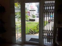Раздвижные решетки на окна, двери под заказ