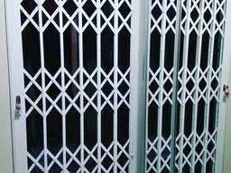 Раздвижные решётки Prof на входную дверь Львов
