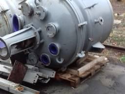 Реактор эмалированый 1, 6 м3, 2, 5 м3, эмалированную емкость