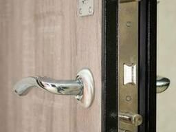 Ремонт металлических входных дверей - фото 2